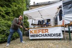 KieferSutherland-100